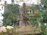 Szeghalom központjában jó állapotú családi ház eladó