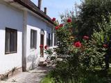 Eladó Ház, Lippó