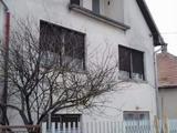 Eladó családi ház, Bugyi