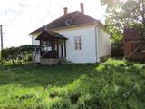 Tájjellegű felújított parasztház eladó Kozmadombján