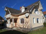 Eladó két lakásos nívós nyaralóépület Lentiben