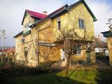 Homokkertben 105 m2 3 szobás felújítandó tégla gáz-cirkós földszinti  házrész eladó