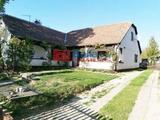 Siófok, Kiliti utca, 140 m²-es, 2 generációs, családi ház, 3+2 félszobás, jó állapotú, gázcirkó fűtés