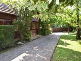 Családi ház egyedi stílusban - a Balatontól 15 percre!