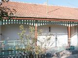 Eladó családi ház Újszászon