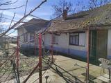 Szelevény-Haleszen eladó 3 szobás családi ház nagy kertel