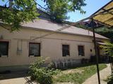 Veszprém belvárosában családi ház eladó!