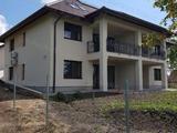 Újépítésű, örökpanorámás, kertkapcsolatos lakás Keszthelyen.