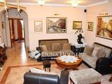 Debrecen Vargakertben kiváló esztétikai és műszaki állapotú nappali+négyszobás, tágas minden igény kielégítő családi ház