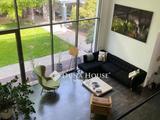 A ligetlakópark gyöngyszeme 228 nm-es exkluzív 2 szintes családi ház