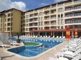 Eladó naposparti apartman két terasszal és medencével!