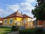 Eladó családi ház, Újszász, Széchenyi út