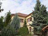 Eladó 285 m2 családi ház, Zsámbék