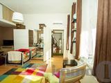 Hangulatos házban napfényes lakás eladó!