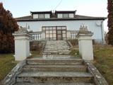 Eladó Ház, Csesztve