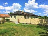 Nyugodt környéken felújítandó családi ház