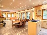 Eladó luxus családi ház teljes berendezéssel, erdővel!