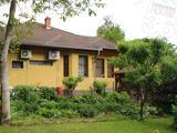 Ha szeretne egy ízléses udvart, Lakiteleken felújított házzal eladó