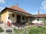 2 szobás,bővíthető családi ház eladó önálló telken