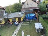 Hangulatos, kertvárosi családi ház