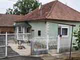 Eladó Ház, Doboz