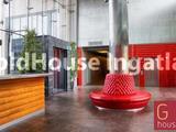 162 négyzetméteres, 3 szobás, jó állapotú, panorámás, kiadó iroda