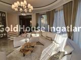 203 négyzetméteres, 3 szobás, 2 félszobás, felújított, panorámás, eladó lakás