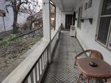 Mohácson a belvárosban felújítandó családi ház eladó.