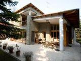 II., Budakeszi erdővel határos telken luxus színvonalú villa eladó vagy kiadó