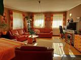 1. emeleti, cirkós lakás 6 lakásos társasházban Egerben