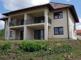 Örökpanorámás, újépítésű, kertkapcsolatos lakás Keszthelyen.