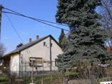 Cserszegtomajon családi ház osztott telekkel eladó