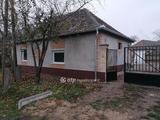 Eladó családi ház, Uszód, Központhoz közel