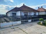 Eladó családi ház, Mélykút, Központhoz közel