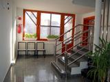 Belvárosi irodaházban 20 m2-es irodahelyiség kiadó!