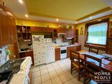 Eladó tégla családi ház