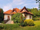 TIHANY eladó igényes ház Makovecz dizájn