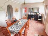 Frekventált elhelyezkedésű, 5 szobás családi ház eladó Füzesabonyban!