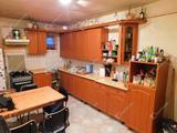 Frekventált elhelyezkedésű, 3 szobás családi ház eladó Füzesabonyban!