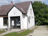 Bakon, 94 m2-es volt élelmiszerbolt épülete, vállalkozásnak vagy lakóháznak eladó.
