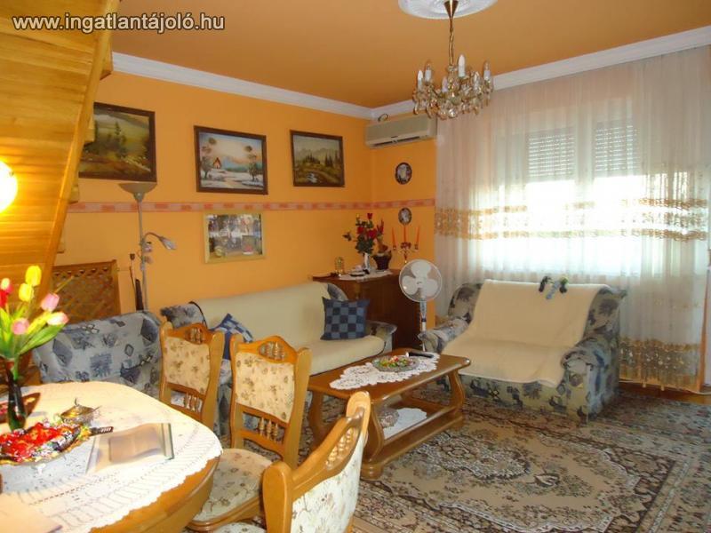 Belső 2 szintes tégla lakás, nappali + 4 szoba + 2 fürdőszoba ...