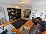 TAPOLCA CSENDES részén egy 360 m2-es családi ház