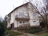 Akuképes áron 2 SZINTES, 5 szobás, NAPKOLLEKTOROS családi ház, 2 garázzsal Márkón eladó