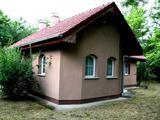 A Balatontól 400 méterre új 2 háló+nappalis ház kiadó 4+2 vendégnek