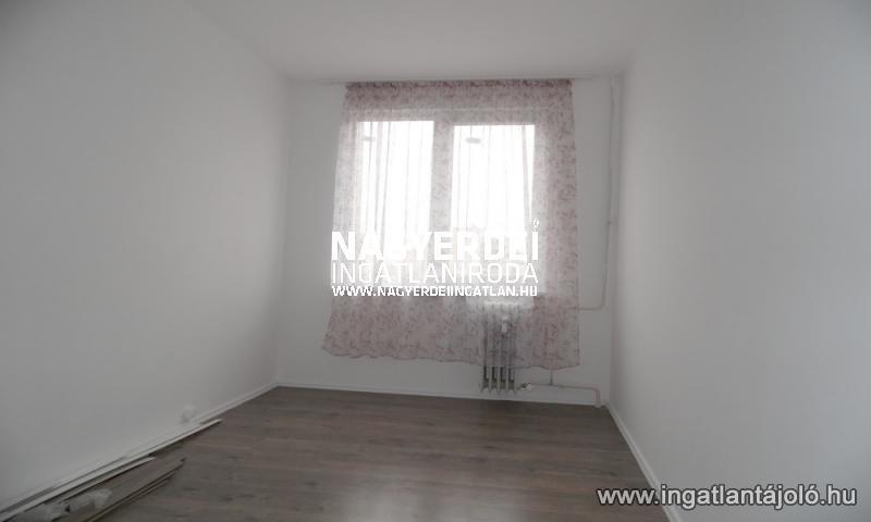 Eladó 56.00m² panel lakás, Debrecen, Eladó panellakás, Debrecen, Libakert, 17 500 000 Ft ...
