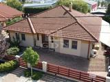 Eladó családi ház, Székesfehérvár, Szárazrét-Feketehegy, Feketehegy