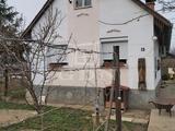 Eladó családi ház, Deszk, Desz kiskertes övezetében eladó ház