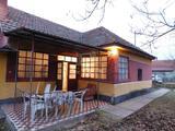Eladó családi ház, Kunpeszér, HÁROM SZOBÁS CSALÁDI HÁZ