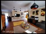 Részben felújított, nappali + 2 hálószobás családi ház