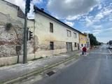 Eladó Miskolc Csabavezér úti 1227 nm-es telken 347 nm-es ház.